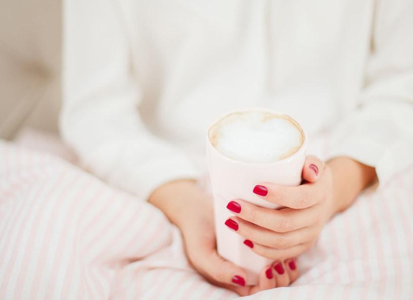 Pyszna kawa do łóżka? /123RF/PICSEL