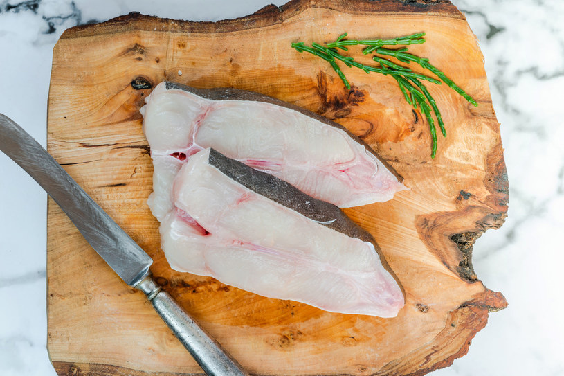 Pyszna ryba na grilla to halibut /123RF/PICSEL