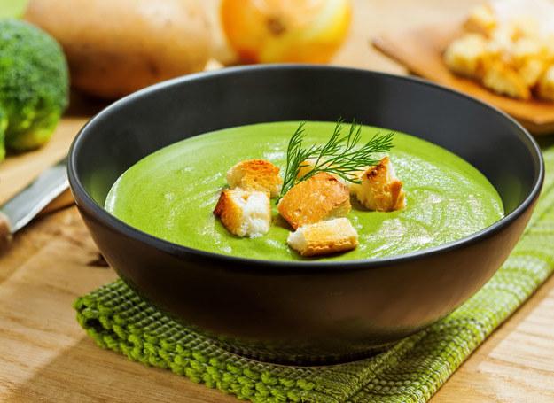 Pyszna zupa brokułowa na stałe zagości w twojej kuchni. /123RF/PICSEL