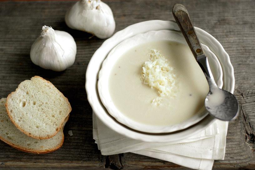 pyszna zupa czosnkowa /© Photogenica