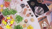 Pyszne kulki migdałowe oraz sałatka z pieczonych warzyw z kaszą gryczaną