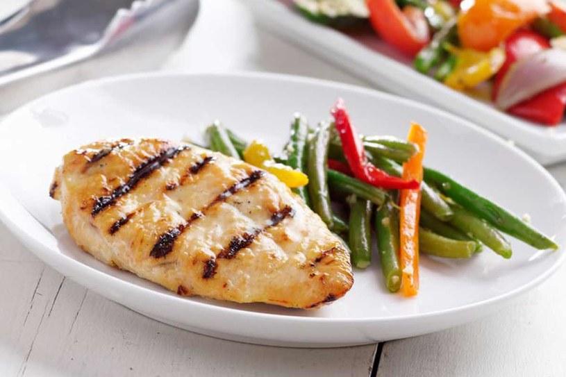 Pyszny obiad może być całkiem prosty /123RF/PICSEL