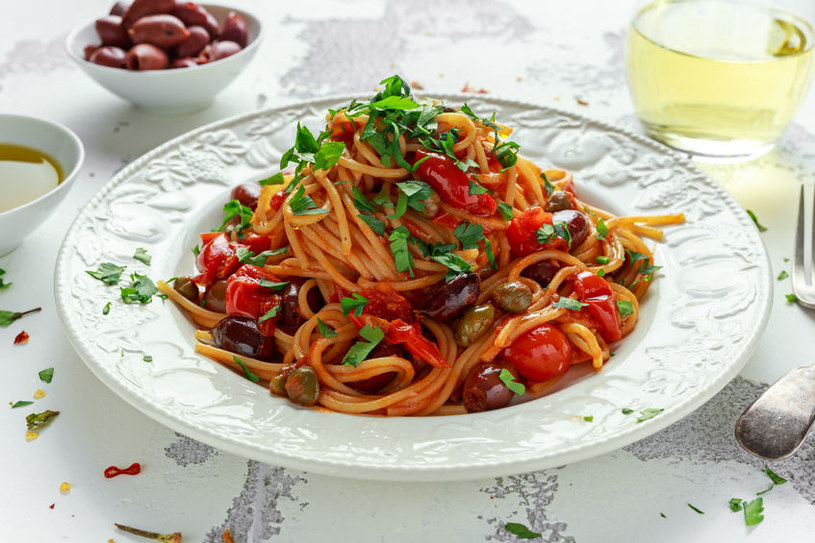 Pyszny, włoski makaron przygotujesz w około pół godziny /123RF/PICSEL