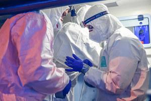 Pytania o czwartą falę pandemii w Polsce. Głównym zagrożeniem wariant Delta