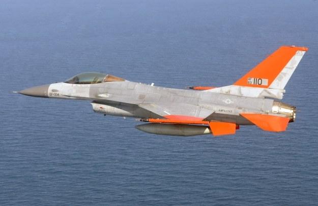 QF-16.  Fot. U.S. Air Force photo/Master Sgt. J. Scott Wilcox /materiały prasowe
