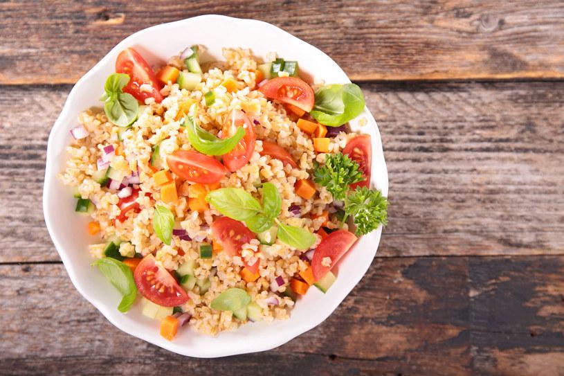 Quinoa, bulgur, pęczak powinny zawitać w twojej dieci na stałe /123RF/PICSEL