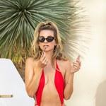 Rachel McCord w skąpym stroju na basenie