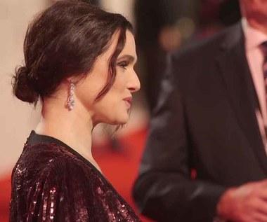 """Rachel Weisz pojawiła się na premierze """"The Favourite"""" w Londynie"""