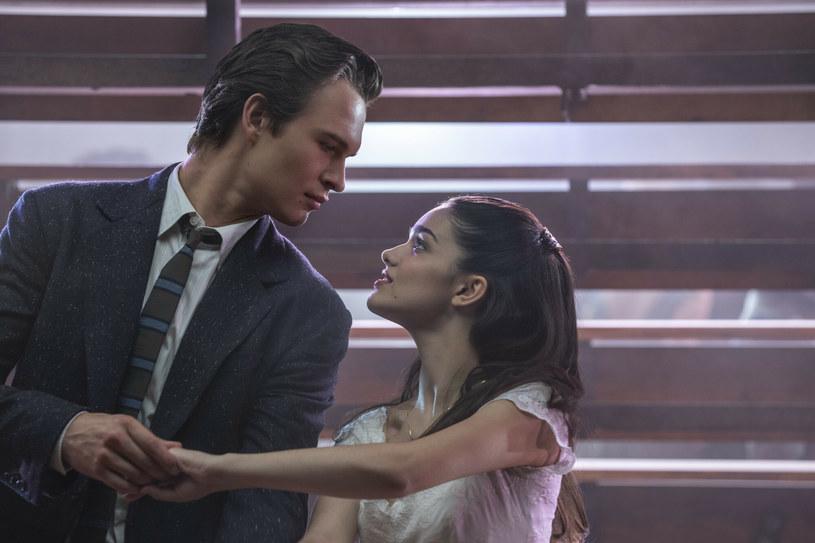 Rachel Zegler i Ansel Elgort w filmie West Side Story /CAP/SFS/Capital Pictures /East News