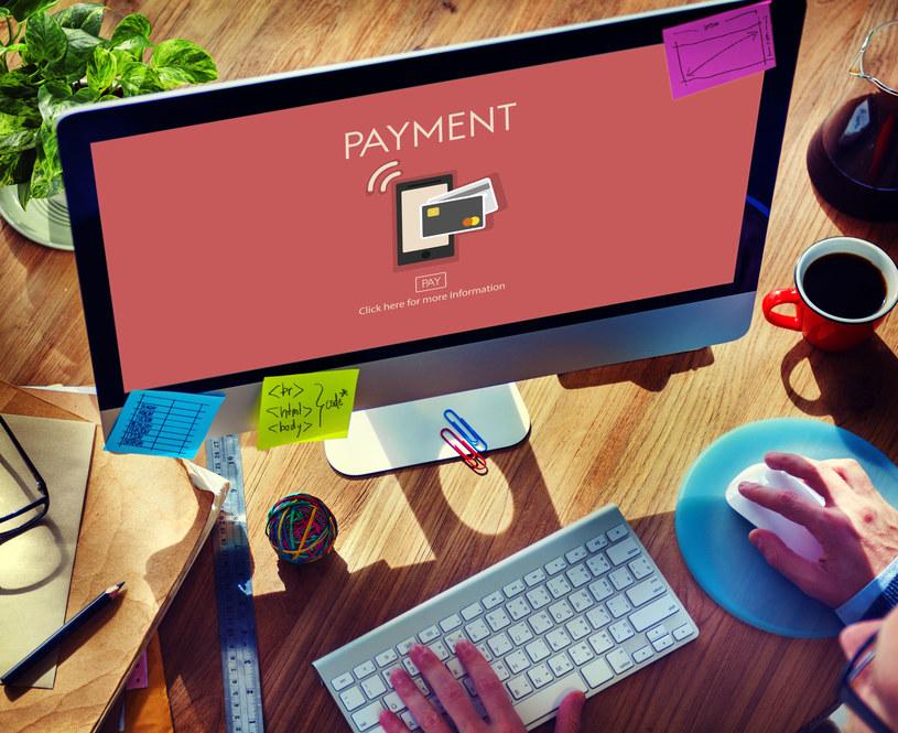 Rachunek bankowy to wiele dodatkowych możliwości /123RF/PICSEL
