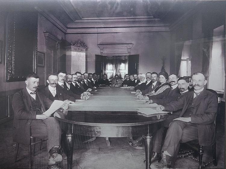 Rada Narodowa Księstwa Cieszyńskiego - 1920 r. Źródło: Muzeum Śląska Cieszyńskiego, /Wikimedia