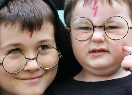 Radcliffe ofiarował swoje prywatne, a nie filmowe okulary /AFP