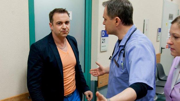 """Radek Liszewski w serialu """"Szpital"""". /TVN"""