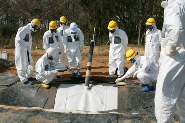 Radioaktywna woda z Fukushimy wciąż niebezpieczna dla ludzi /AFP