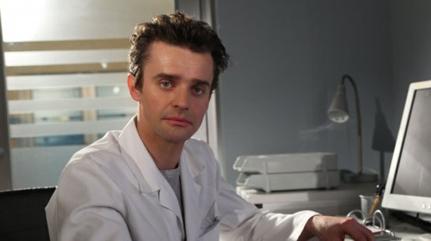 Radiolog Paweł Gracz (Marcin Sianko) /ARTRAMA