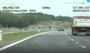 Radiowóz jechał 218 km/h. A ile jechało auto przed nim?