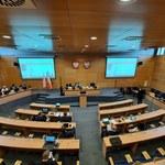 Radni z Małopolski mieli podjąć decyzję ws. uchwały anty-LGBT. Przeszkodziły im problemy techniczne