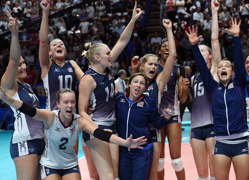 Radość Amerykanek po zwycięstwie nad Chinami w finale MŚ /PAP/EPA