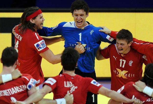 Radość Duńczyków z awansu do półfinału ME /AFP