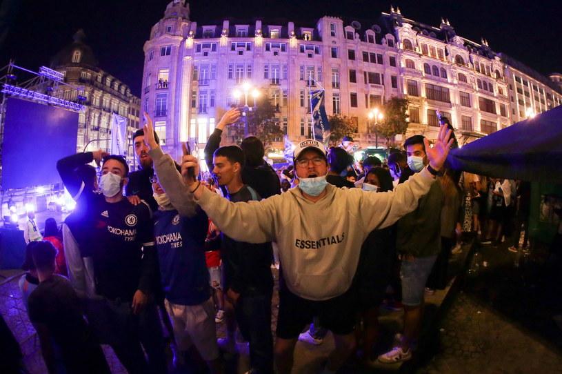 Radość fanów Chelsea /MANUEL FERNANDO ARAUJO  /PAP/EPA
