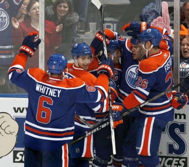 Radość hokeistów Edmonton Oilers /AFP