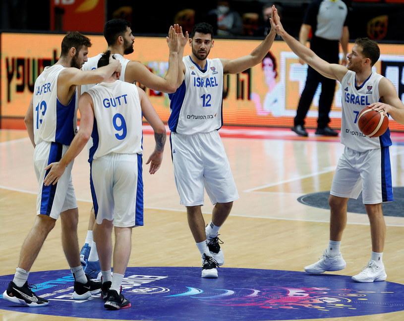 Radość koszykarzy Izraela /PAP/EPA/MIGUEL ANGEL POLO /PAP/EPA
