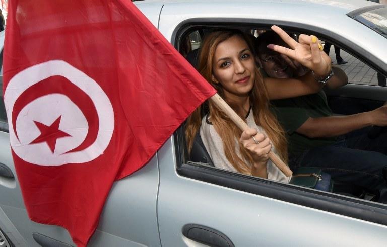 Radość na ulicach Tunezji po ogłoszeniu werdyktu /AFP