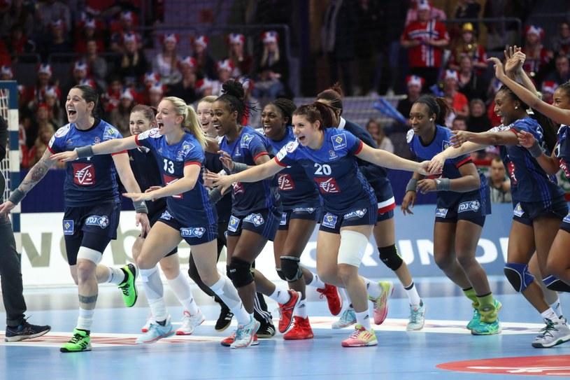 Radość piłkarek ręcznych Francji /PAP/EPA