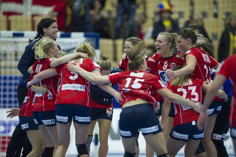 Radość piłkarek ręcznych Norwegii /PAP/EPA