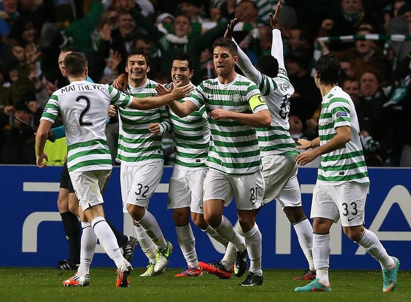 Radość piłkarzy Celticu Glasgow w meczu z Barceloną /AFP