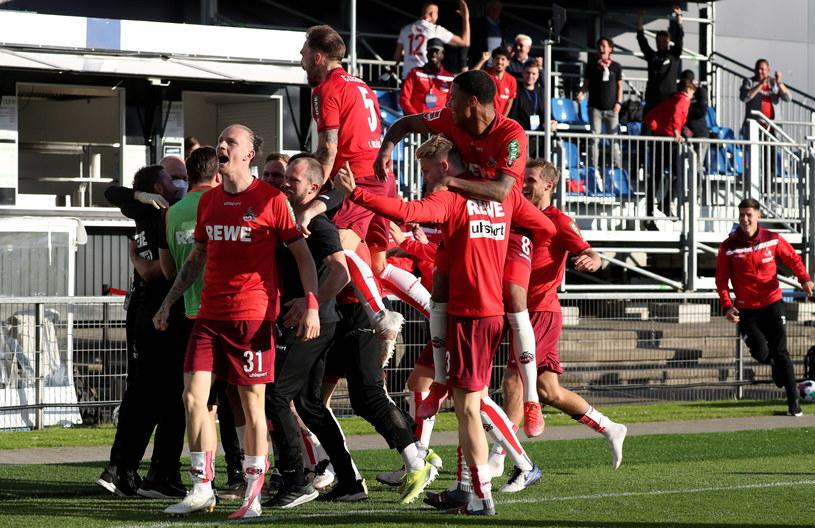 Radość piłkarzy FC Koeln /FOCKE STRANGMANN /PAP/EPA
