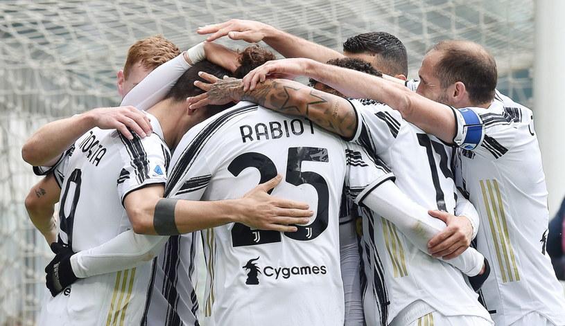 Radość piłkarzy Juventusu /ALESSANDRO DI MARCO  /PAP/EPA
