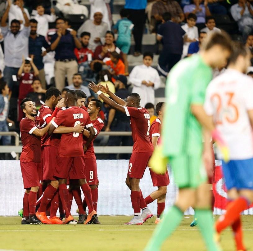 Radość piłkarzy Kataru w meczu z Rosją /AFP