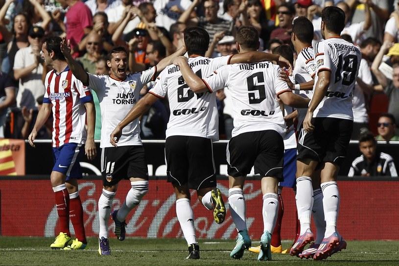 Radość piłkarzy Valencii w meczu z Atletico Madryt /AFP