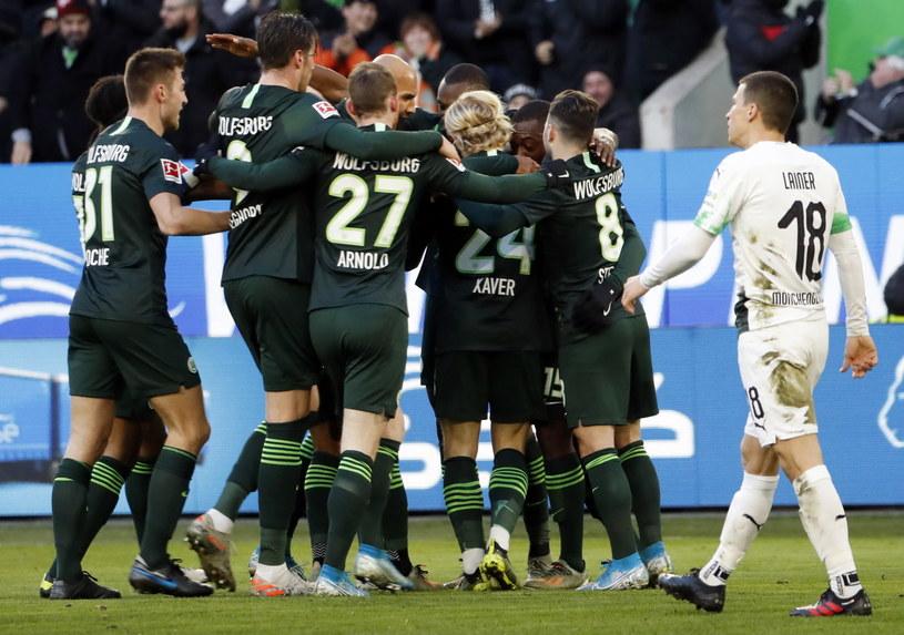 Radość piłkarzy VfL Wolfsburg /PAP/EPA