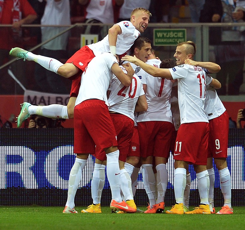 Radość Polaków po zdobyciu pierwszego gola /AFP
