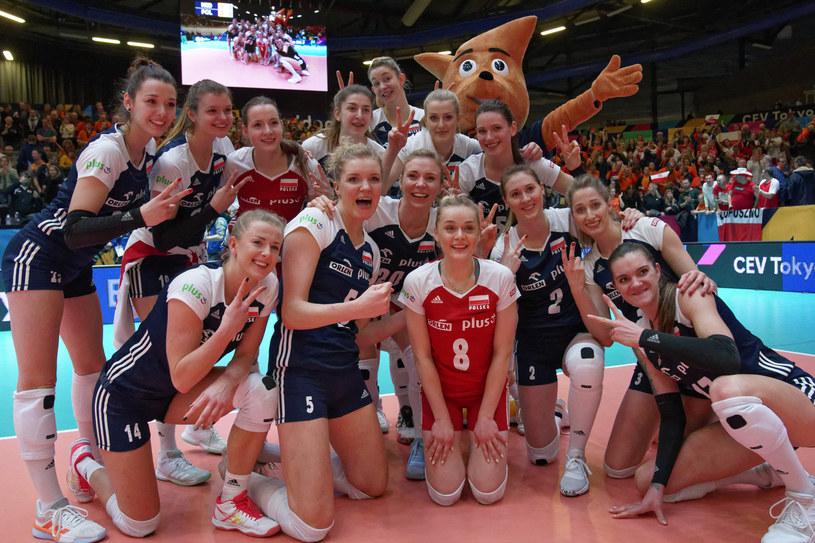 Radość Polek po zwycięstwie z Niderlandami /www.cev.eu