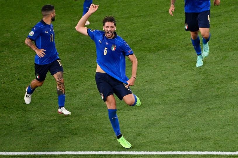 Radość reprezentacji Włoch. Na pierwszym planie Manuel Locatelli /RICCARDO ANTIMIANI /AFP