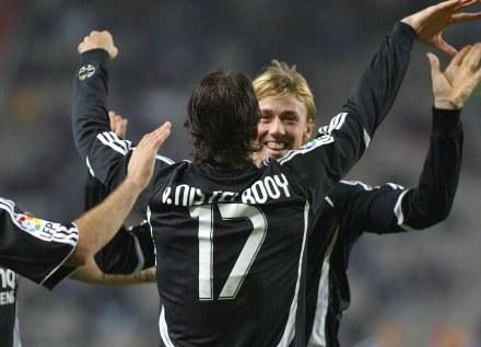 Radość Ruuda van Nistelrooya po zdobyciu gola /AFP