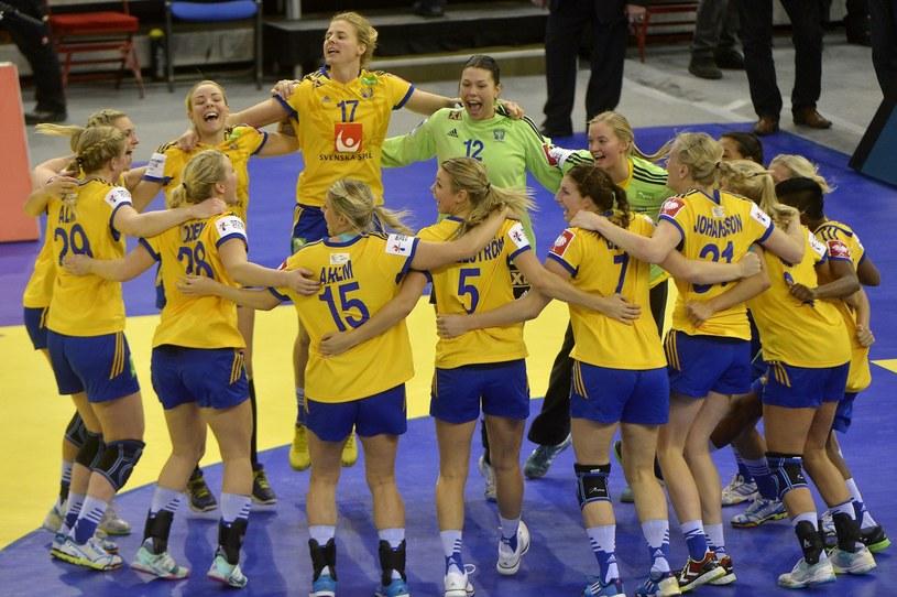 Radość Szwedek po zwycięstwie nad Czarnogórą w meczu o brąz ME /PAP/EPA