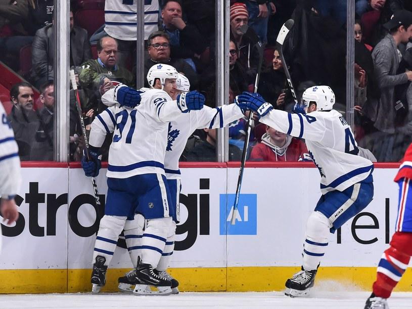 Radość Toronto Maple Leafs po golu Johna Tavaresa /AFP