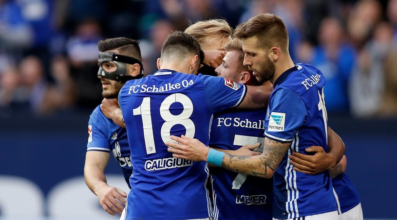 Radość zawodników Schalke po bramce Daniela Caligiuriego /PAP/EPA