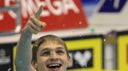 Radosław Kawęcki cieszy się z wygranego wyścigu
