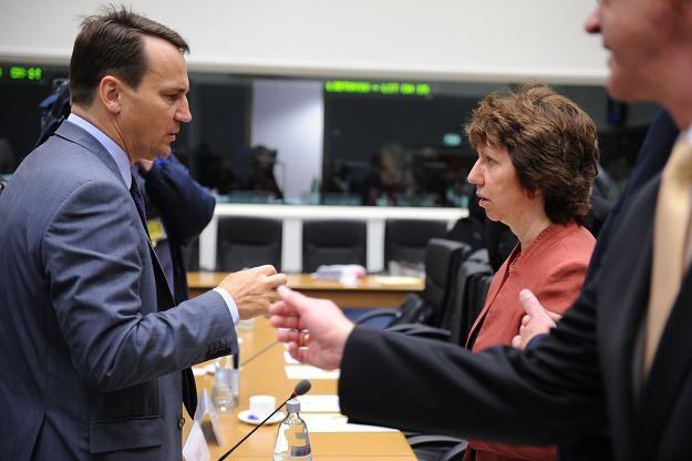 Radosław Sikorski i Catherine Ashton /AFP
