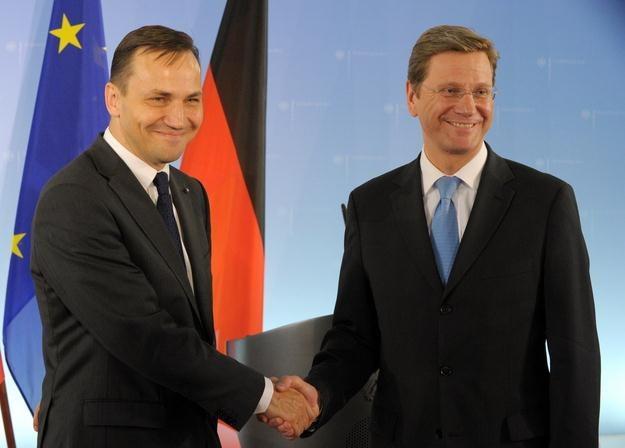 Radosław Sikorski i Guido Westerwelle /AFP