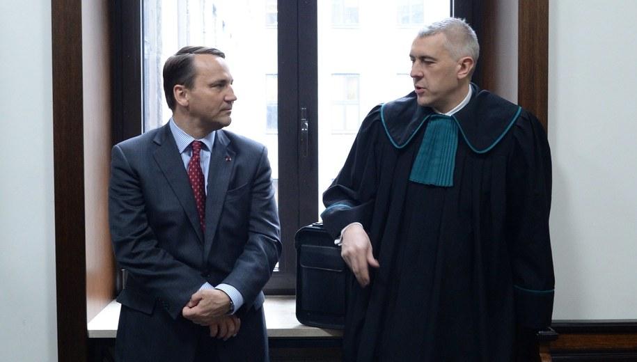 Radosław Sikorski i mec. Roman Giertych (zdjęcie archiwalne) /Jacek Turczyk /PAP