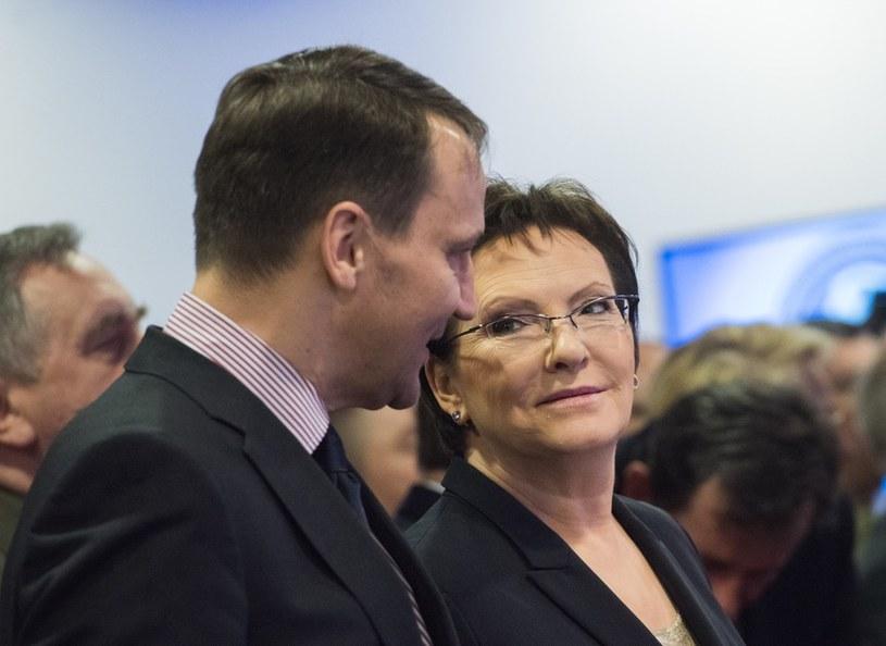 Radosław Sikorski i premier Ewa Kopacz /Jacek Dominski/REPORTER /East News