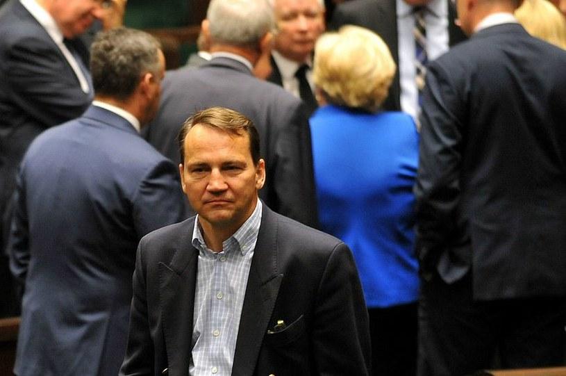 Radosław Sikorski ogłosił wczoraj, że nie wystartuje w jesiennych wyborach /Witold Rozbicki /Reporter