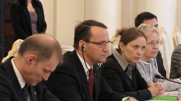 Radosław Sikorski w czasie obrad Komitetu /fot. Przemysław Marzec /RMF FM