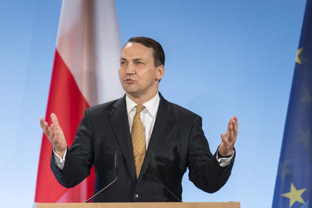 """Radosław Sikorski: """"W sprawie Ukrainy UE nie ma nawet przy stole rozmów"""" fot. Jens Schlueter /AFP"""